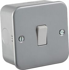 Knightsbridge Metalclad 10A 10 Amp 1 Gang Metal Clad 2 Way Single Light Switch