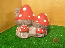 HAND Painted Fata Toadstool, Fungo Pietra FAIRY GARDEN HOUSE.