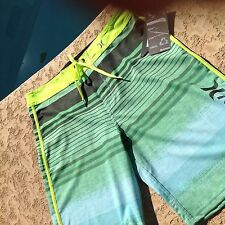 HURLEY PHANTOM BEACHWEAR  MEN'S BOARDSHORTS TRUNKS - Waist 31