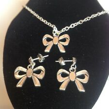 Bow necklace and matching stud earrings silver plated