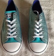 Converse Junior Girls Glitter Shoes/ Size: 5/ NWB