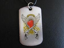 Rockabilly Anhänger/Amulett+Lederband sog. Hundemarke Flügel Herz Pistolen/EsK31