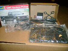 GMC SYCLONE PICKUP REVELL #7435
