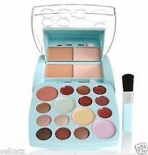 Signature Club A Adrienne Arpel Vitamin A Take Along Total Makeup Kit Eyeshadow