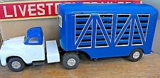SANESU LIVESTOCK TRAILER BLUE/WHT TIN FRICTION EXCELLENT RARE w ANIMALS +  BOX