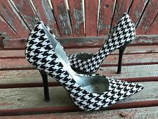 *BLacK WHiTe* Sz 6 Tweed Houndstooth Pointy Toe CARRIE Stiletto Heel PUMP GuESS