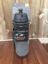 "NEW Oakley ""Fuel Tap"" Water Bottle BPA Free Octo STICK 24oz Biking Black/Gray"