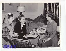 Ida Lupino Olivia De Havilland Bette Davis VINTAGE Photo Old Acquaintance candid