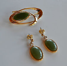 Vintage goldtone & green jade jadeite abstract brooch pin & earrings set