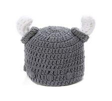 Mütze Wollmütze Wikinger Mittelalter Grau Weiß Hörner Helm Ritter Rüstung