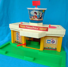 Fisher Price Original Little People Play Family Jetport, airport terminal 933