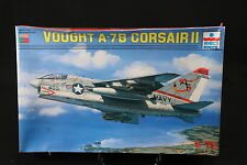 YA099 ESCI 1/72 maquette avion 9056 Vought A-7B Corsair II