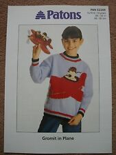 Wallace & Gromit GROMIT IN PLANE Knitting Pattern 2209 Jumper Child 6 - 13 DK