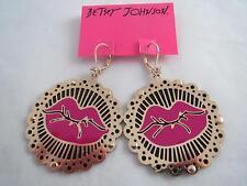 Betsey Johnson photoetch gold tone~fuchsia lip drop earrings, NWT