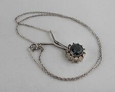 *RAR* Elegantes Collier aus 835 Silber mit grünem Zierstein