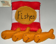 felt food play toys 4 FISH CRACKERS AND 1 BAG with velcro children kid pretend