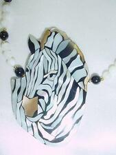 Gorgeous Lee Sands Mother of Pearl Zebra Pendant Beads Necklace   #1468