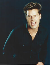 RICKY MARTIN 8 X 10 PHOTO WITH ULTRA PRO TOPLOADER