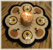 PATTERN~Little Pilgrims~Turkey Pumpkin Penny Rug/Candle Mat *PATTERN*