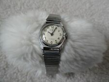 Made in USSR Zaria 17 Jewels Vintage Wind Up Ladies Watch