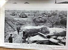 m5-1b ephemera 1940s ww2 picture 8th army tanks prepare to cross cosina river