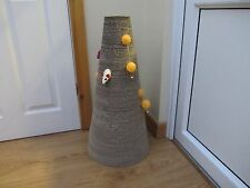 "26 "" Tall Cat cone Scratcher with moveable playballs/bells"