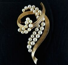 Trifari Brooch Vtg Gold Toned Signed Faux Pearl Spiral Pin Mid Century Jewelry