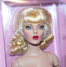 """TONNER 16"""" PIN-UP BASIC DRESSED CONVENTION DOLL ORIG BOX T11RTSD04"""