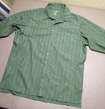 Mountain Hard Wear Medium M Men's Green Button Up Travel Shirt Short Sleeve NICE