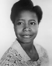 Butterfly McQueen UNSIGNED photo - D256 - Gone With the Wind