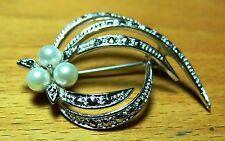 Brosche  50er Jahre 925 Silber Blütenform 3 Perlen und 27 Straßsteine