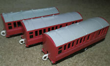 SPENCER COACH x 3 red Tomy Trackmaster Thomas the Tank Engine train carriage