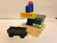SODOR CARGO DROP BUILDING W/ CAR Thomas the Train Tank Wooden Railway Engine GUC