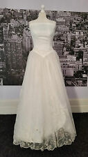 Beautiful Vintage look Dress with Fabulous Train (Ivory) Wedding, Hen Do, Prom .