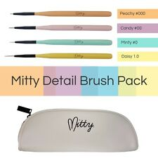 Nail art brushes by Mitty