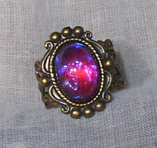 ANTIQUED BRASS GOLD FILIGREE DRAGON'S BREATH OPAL GLASS STONE ADJ RING VICTORIAN