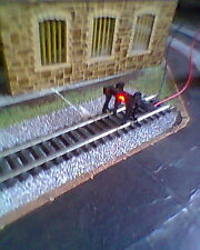 HORNBY 00 RAILWAY TRAIN TRACK  BUFFER STOP WITH RED BLINKING 12 VOLTS LED LIGHT