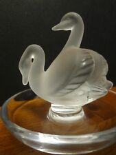LALIQUE ~RARE VIINTAGE 2 SWANS DEUX CYGNES RING DISH TRAY HOLDER FROSTED CRYSTAL