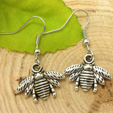Antique silver small lovely bee Earrings Handmade Jewelry m016