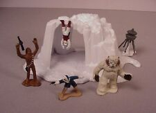 Vintage Star Wars Toy Hoth Wampa Cave playset & figures 1982 Micro Collection