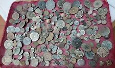 LOT 200 OLD COLONIAL BUTTONS HIGH QUALITY BRONZE XVII-XVIII CTRY ALL WITH SHANKS