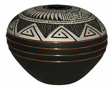 Native American pottery by Gerald Pinto, Navajo