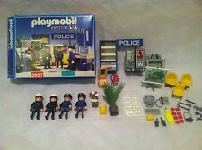 Playmobil RETIRED 3957 Police Law Enforcement Cops Office Headquarters City Life