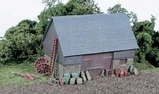 Wills SS30 Stone & Timber Barn 1/76 Scale=00 Gauge Plastic Lineside Kit 1st Post