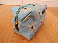 RADLEY Oilskin LARGE Light Blue Floral Cosmetic/make-up/wash bag - PRETTY!!
