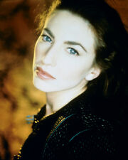 Black, Claudia [Farscape] (26230) 8x10 Photo