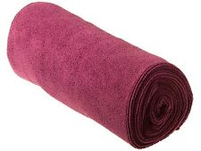 **OFFER** SEA TO SUMMIT TEK TOWEL MEDIUM (BERRY)