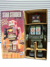 SH HORIKAWA JAPAN STAR STRIDER ROBOT AIJI-01 GREEN BATT. OP. TIN TOY MIB`80 RARE