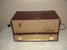 Zenith Model A723R  AM/FM Radio  Working