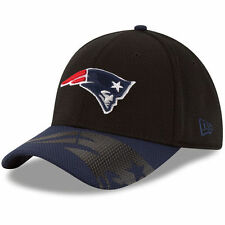 New Era New England Patriots Youth Black/Navy Chrome Tech 39THIRTY Flex Hat